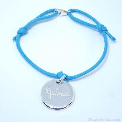 Bracelet personnalisé une breloque en argent sur cordon avec petit fermoir