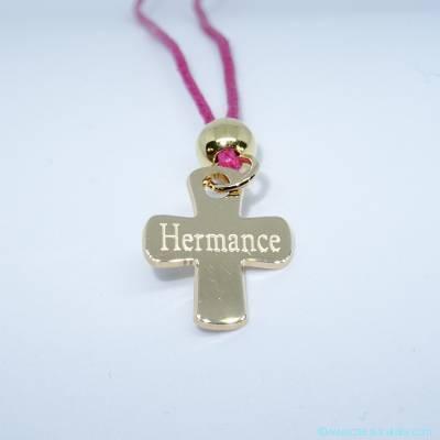 Pendentif personnalisé : Le pendentif petite croix et perle plaqué or
