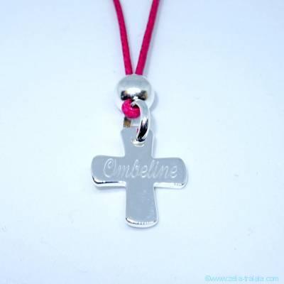Pendentif personnalisé :  Le pendentif petite croix et perle en argent