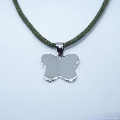 Pendentif personnalisé : le papillon en argent