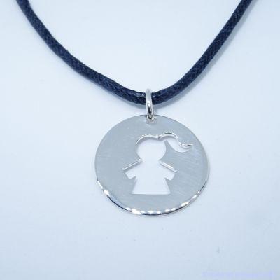 Pendentif personnalisé :  La médaille fillette en argent