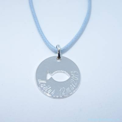 Pendentif personnalisé : Le pendentif médaille poisson évidé en argent