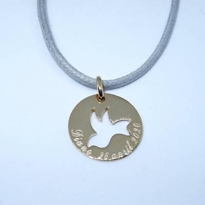 Pendentif médaille évidée d'une colombe, en plaqué or