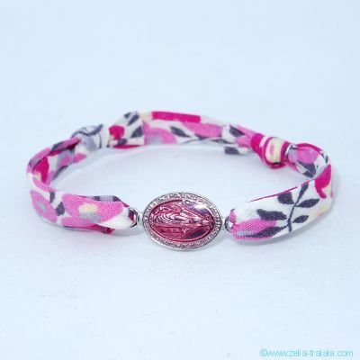 Bracelet petite médaille miraculeuse intercalaire émaillée rose sur Liberty