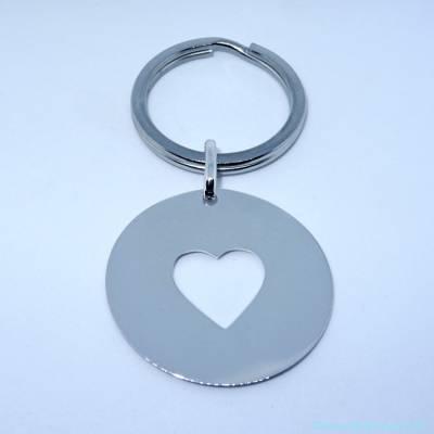 Le porte-clés personnalisé grande médaille évidée coeur