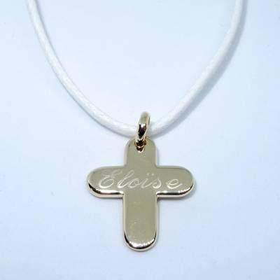 Pendentif personnalisé : Le pendentif croix bombée plaqué or