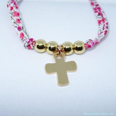 Pendentif petite croix et ses 4 perles, en plaqué or