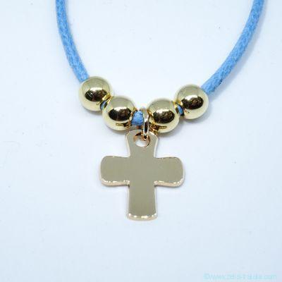 Pendentif petite croix et ses perles sur cordon, en plaqué or
