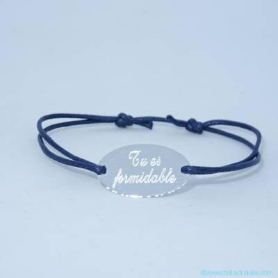 Le bracelet personnalisé pastille ovale en argent sur cordon