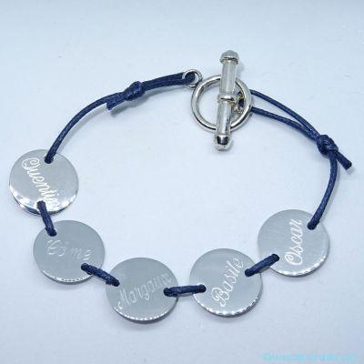 Le bracelet personnalisé 1 à 5 petites pastilles en argent sur cordon avec fermoir T
