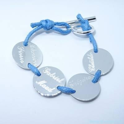 Le bracelet personnalisé 2 à 4 pastilles en argent sur cordon avec fermoir T
