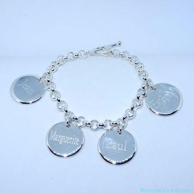 Bracelet personnalisé en argent quatre breloques